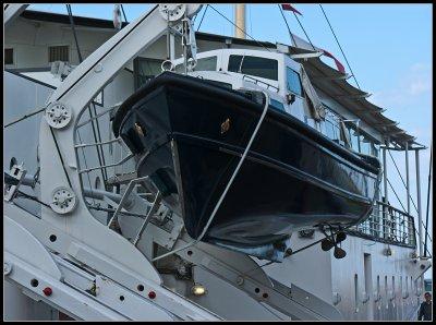 _small_093 Edinburgh-Royal Yacht Britannia-Rettungsboot.JPG