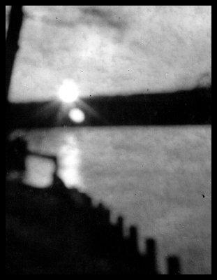 _small_1972-01 Sonnenuntergang am Schlachtensee mit Lochkamera.JPG