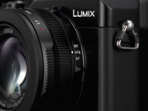 031-FY2018-Panasonic-LUMIX LX100 II-produktbild-focus-switch.jpg