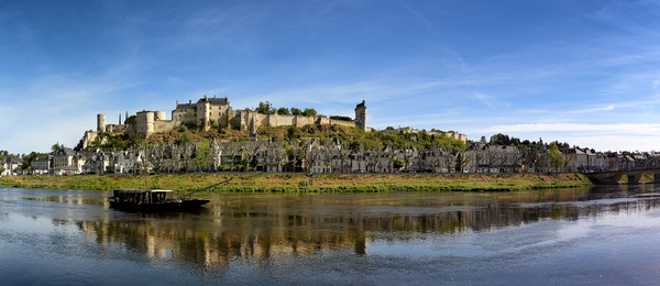 Burg Chinon.jpg