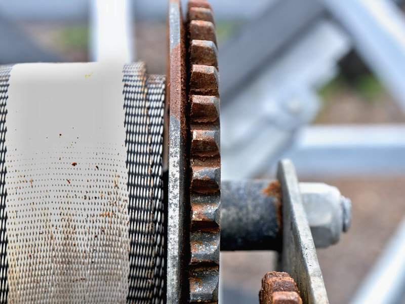 Gear with disc in front to transport webbing.jpg