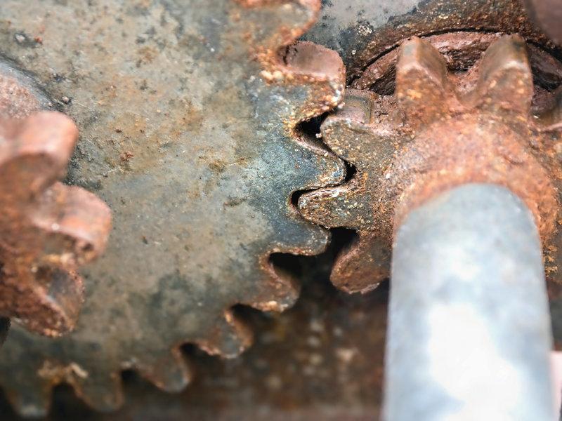 rusted old gears meshing.jpg