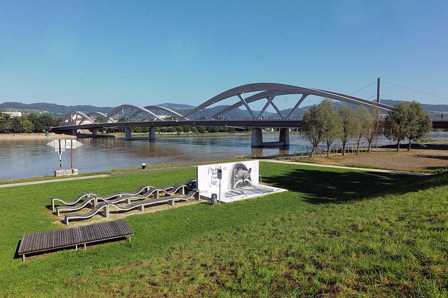 NeueEisenbahnbrückeÜbersichtmit VGSL2P1635FIN_998x666.jpg