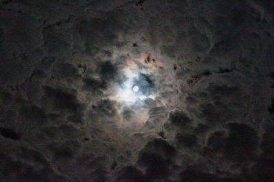 Wolke 4 und Mond (Large).JPG